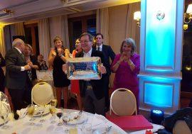 El CFNA entregó placa por el Centenario del Colegio