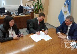 El Colegio de Escribanos firmó un convenio con el Ministerio de Gobierno