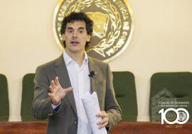 El Esc. Dr. Mariano Esper disertó sobre Contratos