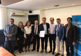 Colegio de Escribanos: firma de convenio para 158 escrituras sociales