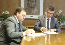 Firma de convenio con el Colegio Profesional de Martilleros y Corredores Públicos